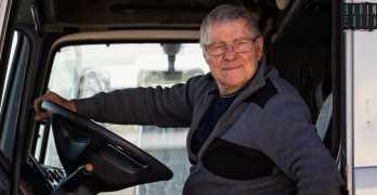 La storia del barese Angelo camionista a 79 anni: Non smettero mai di viaggiare