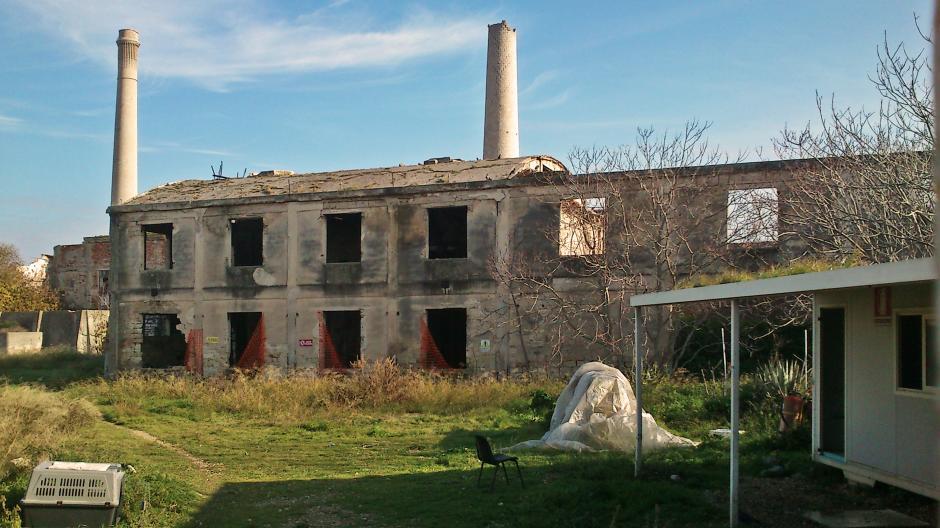 Top Industrie, ospedali, caserme: la mappa dei 189 edifici abbandonati  YC75