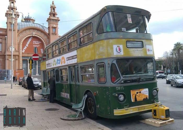 Galleria foto bari i bus a due piani degli anni 60 70 80 for Piani casa su due piani degli anni 60