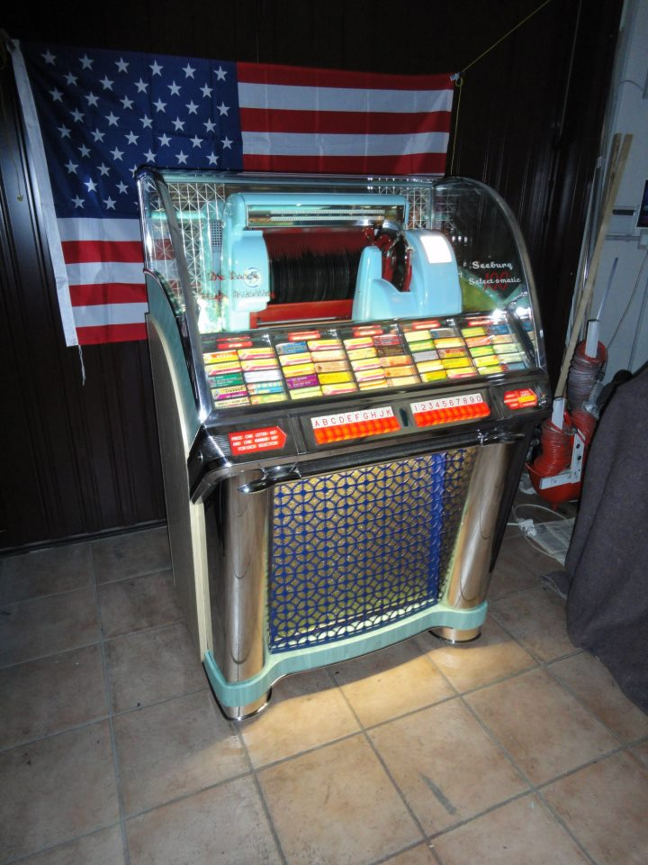 The gallery for --> Happy Days Fonzie Jukebox
