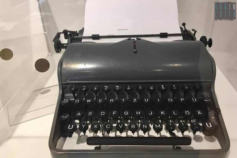 Sgabelli Per Macchine Da Cucire : Affascinanti storiche e retrò: a trani un museo dedicato alle