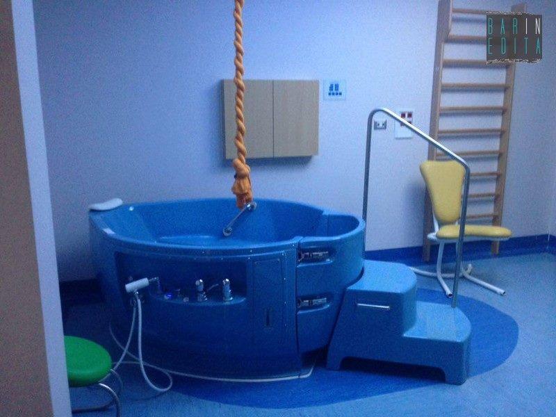 Vasca Da Parto : Partorire u cin acquau d a bari ci sono sala e vasca ma non