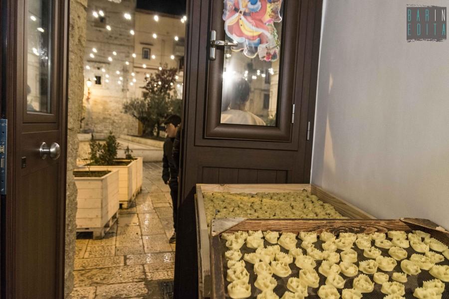 La Credenza Bari : Presepi cartellate e tradizioni viaggio natalizio nei sottani