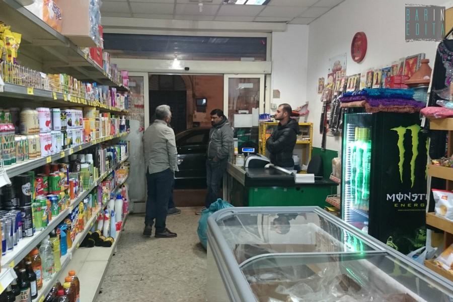 Galleria foto i negozi di cibo etnico barinedita for Arredamento etnico bari