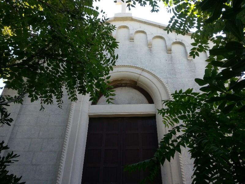 La 39 39 chiesa del trampolino 39 39 sul mare di bari un piccolo for Progetta il mio edificio online