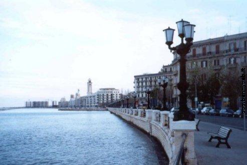 Risultati immagini per Lungomare di Bari