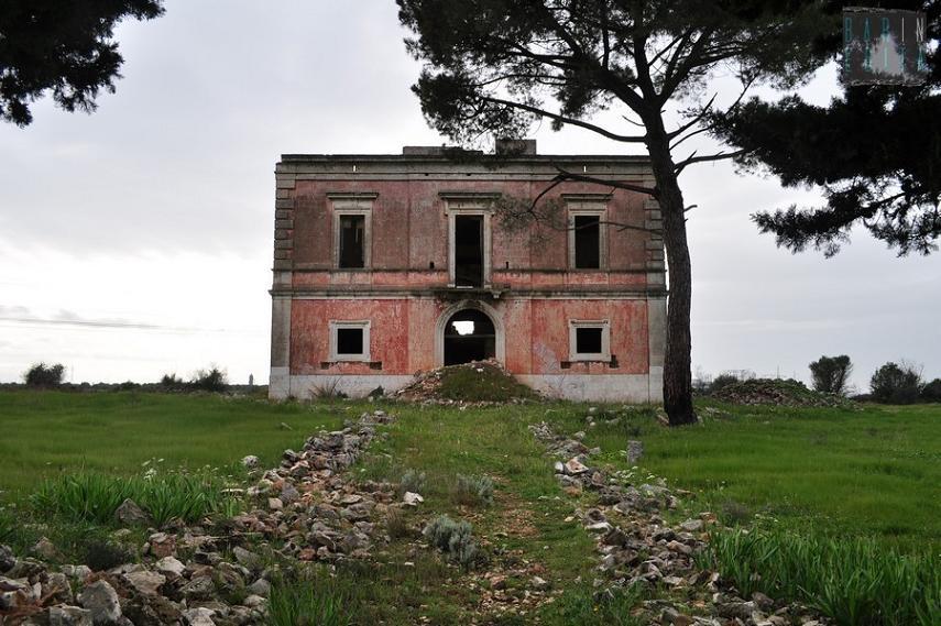 Quell 39 antica villa che domina la statale 100 dall 39 alto di for Ville in collina