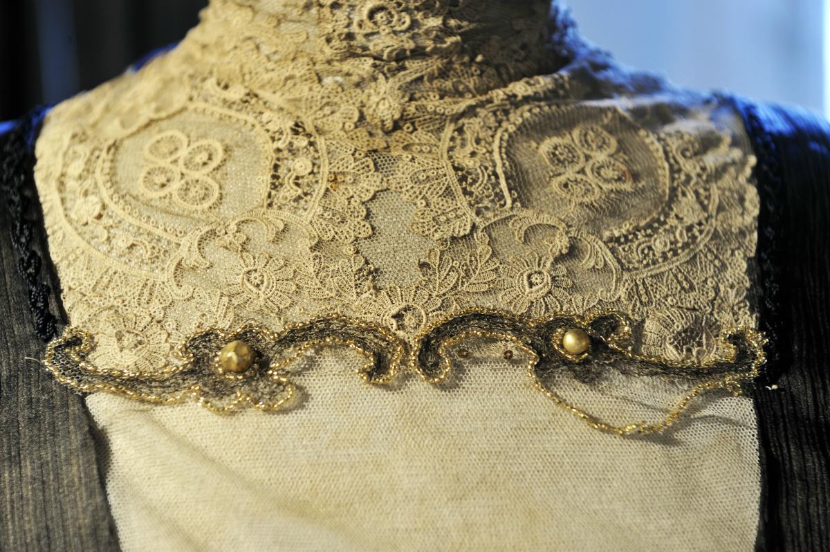 e040680bcf02 Bari ha un museo della moda  «6000 abiti antichi