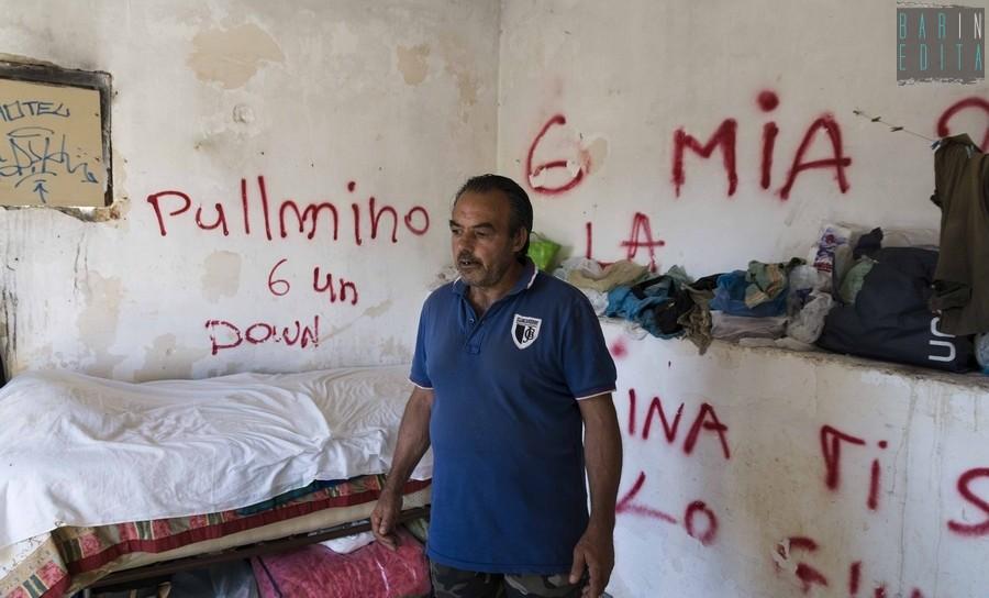 Noicattaro la storia di nicola abbandonato da tutti vive for Due case di tronchi storia