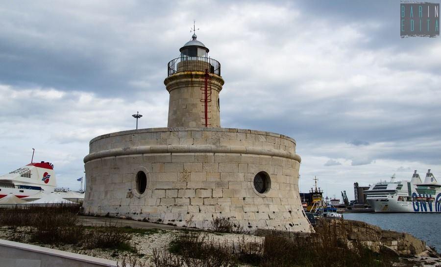 Il porto di bari citt nella citt con i suoi abitanti for Numero abitanti di bari