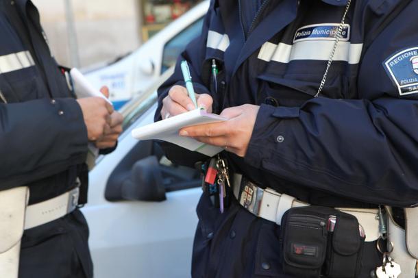 Risultati immagini per vigili multa